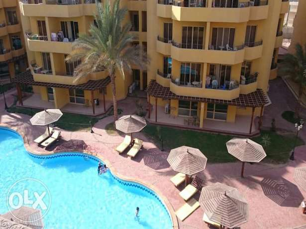 Pool view 2bed apartment for sale in British Resort Kawthar الغردقة -  6