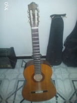 Yamaha C40 ( Classic Guitar) with Case (Used) and Holder