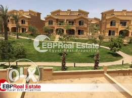 Town house middle in dyar park prime location