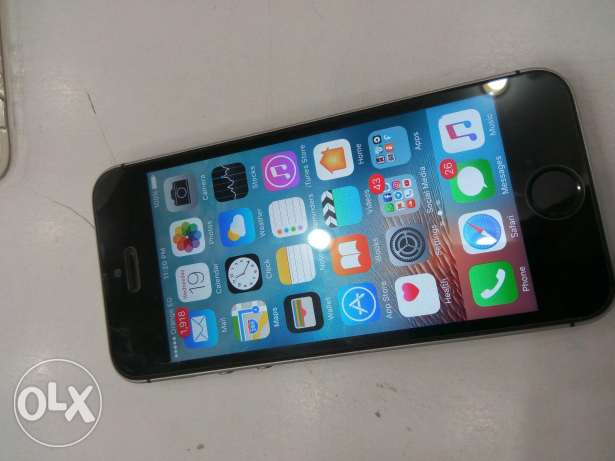 i phone 5s 32G space gray