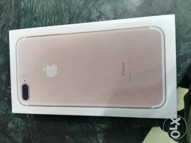 iphone 7plus 128 rose golde new سموحة -  2