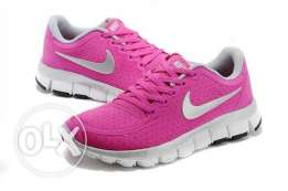nike-v-j-d--shoes-for-womens كوتشي حريمي لون بينك