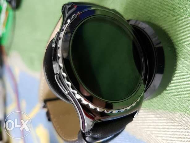 Samsung Gear S2 Classic With Waranty الزيتون -  1
