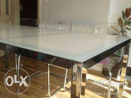 Table with 2 lounging chairs from IKEA like new