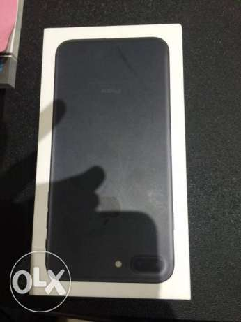iphone 7 plus , black color , 128 g, famee