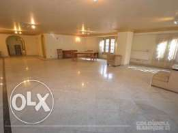 Apartment located in Maadi for sale 300 m2, 3 bathrooms, 3 bedrooms,