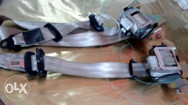 Car Side Mirror Covers and a pair of seatvbelts حى الجيزة -  5