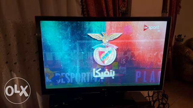 LG Led Plus 3D cinemamax 47 inch Full HD excellent condition الكرتونة