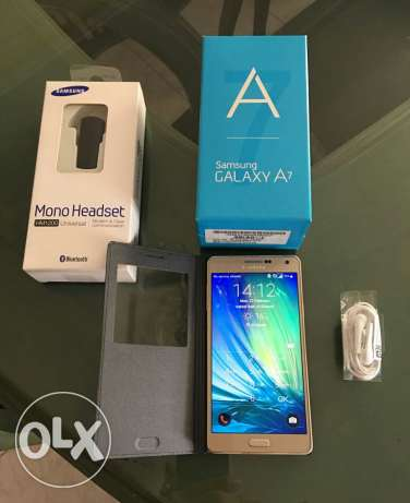 Samsung A7 2015 + original cover, screen protector & Bluetooth headset