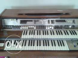 crumar model 203 electrical piano أيطالى