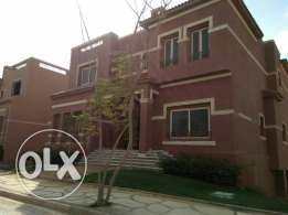 A Townhouse For Sale In New Cairo