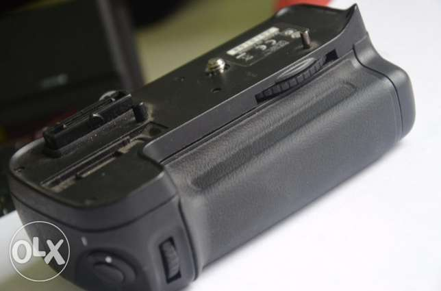 original battery grip for nikon D7000