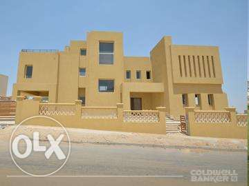 Villa located in 6 October for sale 950 m2, Palm Hills Golf Veiw