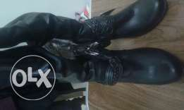 Leather balck boot
