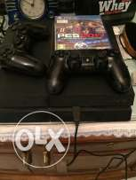playstation 4 with 2 controol
