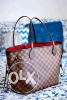شنطه Louis Vuitton جديده