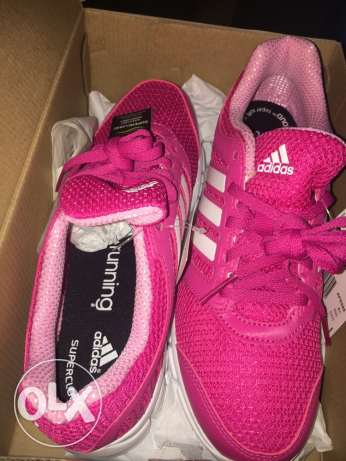 New original adidas running shoes for women never used before Siza 38. سموحة -  2