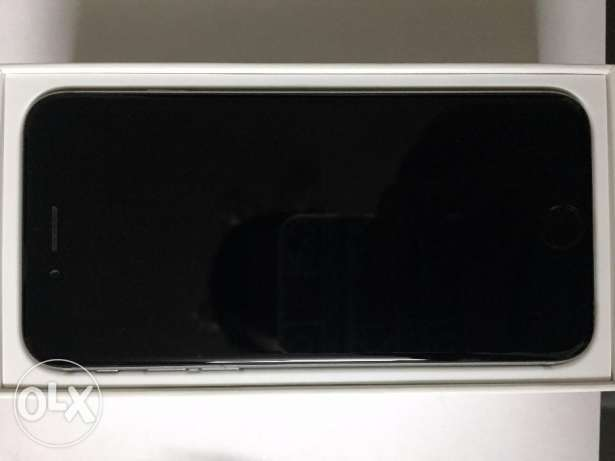 iPhone 6 64gb with Box, Original charger and Earphones مصر الجديدة -  1