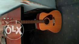 Yamaha guitar F-370 in mint condition