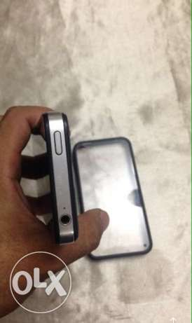 iPhone 4s 16 giga new فيصل -  4