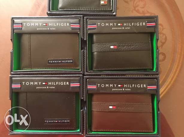 Original tommy hilfiger wallets with box and serial
