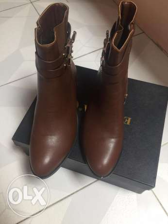 brown never used boots حى الجيزة -  2
