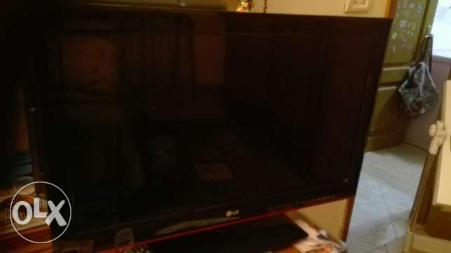 TV LG LED 32 INCH 3D with Glasses مصر الجديدة -  1