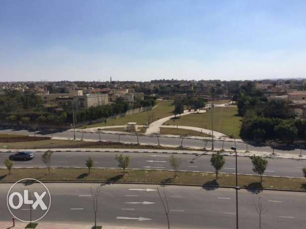 Penthouse for sale in west town Sodic 253 sqm prime location الشيخ زايد -  2