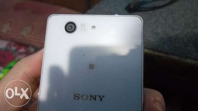sony expria z3 combact تلفون