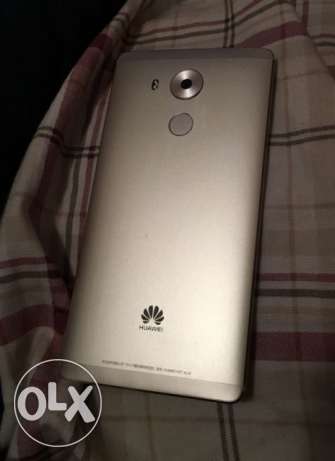 Huawei mate 8 gold. High edition للبدل ب Samsung A7 2017 BLACK