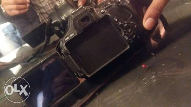 Canon 600D . شاحن +cover + momery +lens 18.55