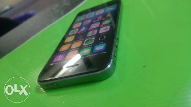 iphone 5s 64g gray space البرلس -  1
