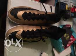 Nike superfly gold limited editon size 42.5