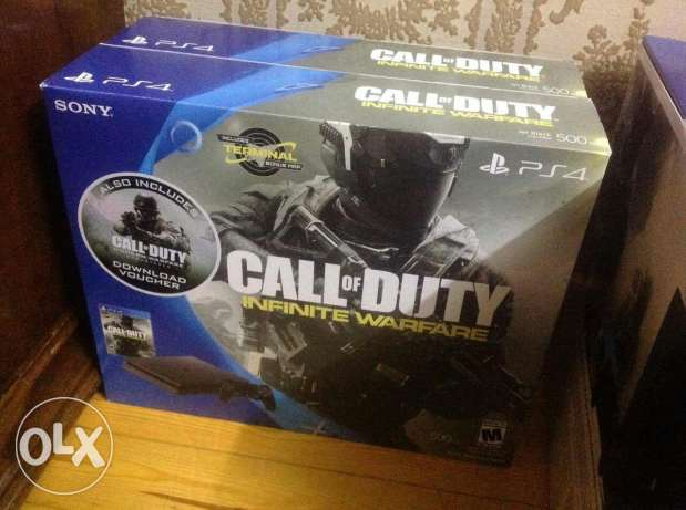 PS4 slim COD bundle (sealed)