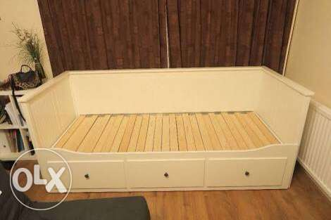 Day bed frame white w 3 drawers IKEA كنبة سرير٣ ادراج مدينتي -  3
