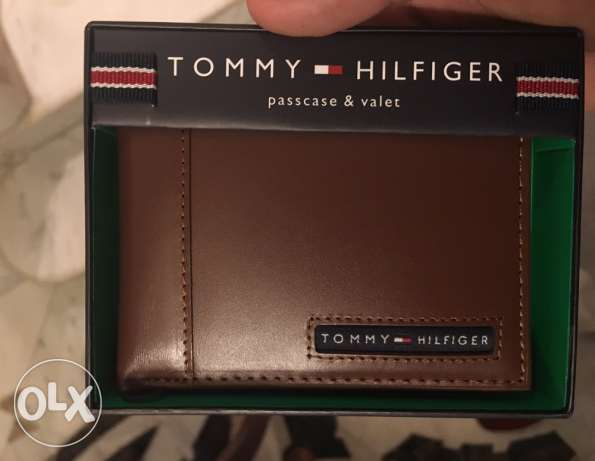 Original Tommy hilfiger wallet for 720 LE other colors available
