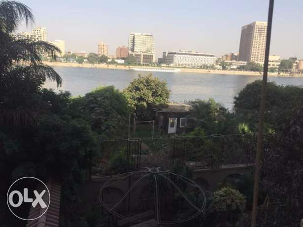 Luxurious Nile view apartment 1000 m 6 bedrooms for rent in Zamalek