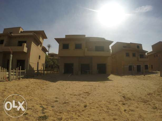 Stand alone villa in moon valley 1