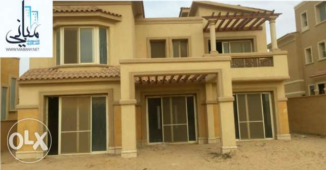 villa in meadows park compound sheikh zayed 654 m2 for sale