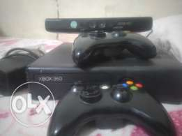 Xbox 360 and external hard 500 gb with 70 games and kinicet