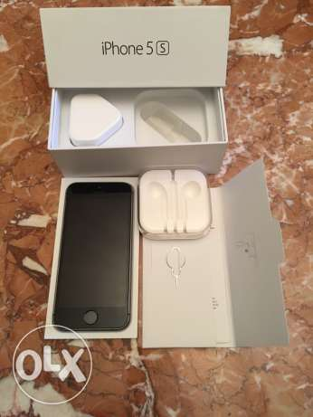 iphone 5s 32GB black (very good condition)
